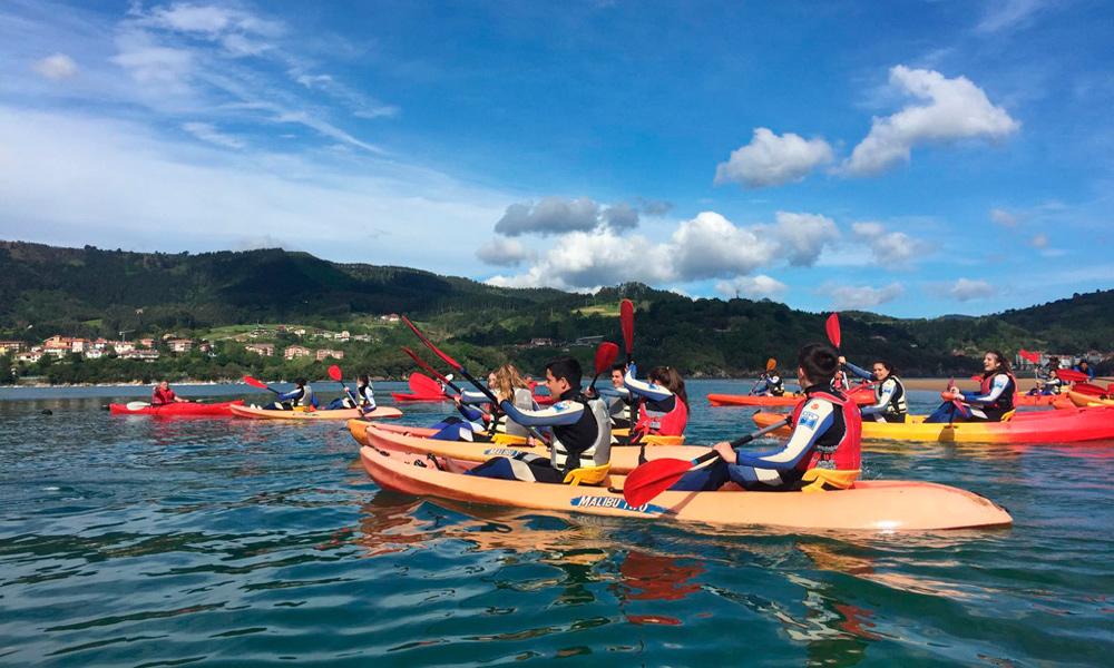 Travesía en canoa en Urdaibai