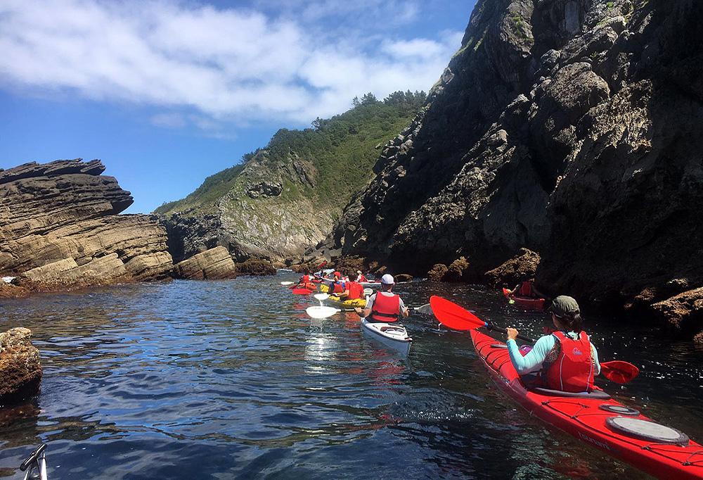 Rutas de kayak de mar de dos jornadas en Urdaibai, Bizkaia, Costa Vasca