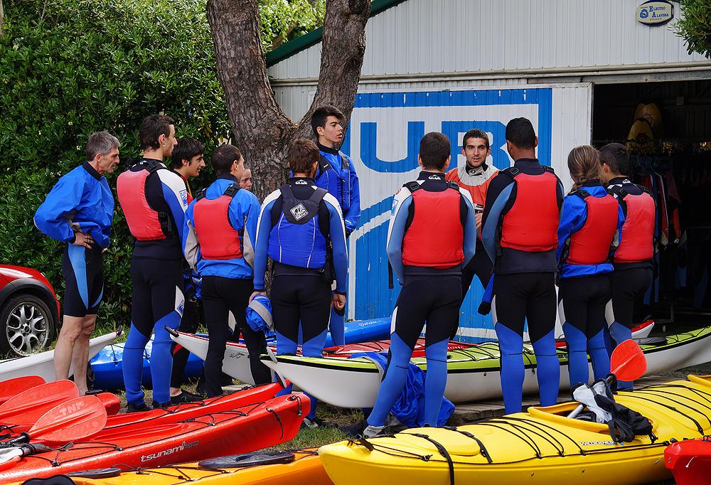 Cursos de iniciación al piragüismo en Urdaibai, Bizkaia, Costa Vasca