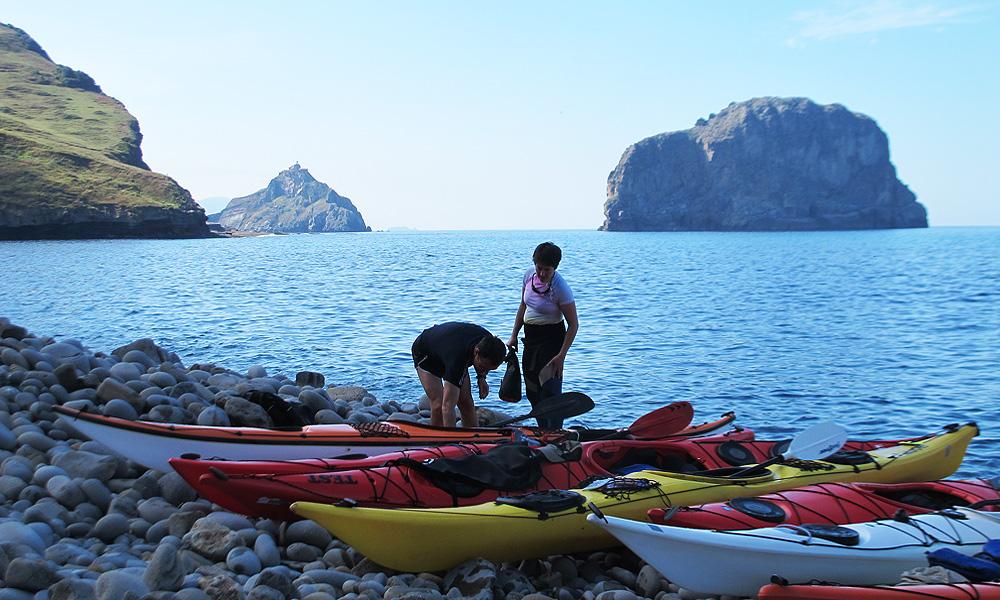 Ruta de dos jornadas de kayak de mar en Urdaibai, Bizkaia, Costa Vasca